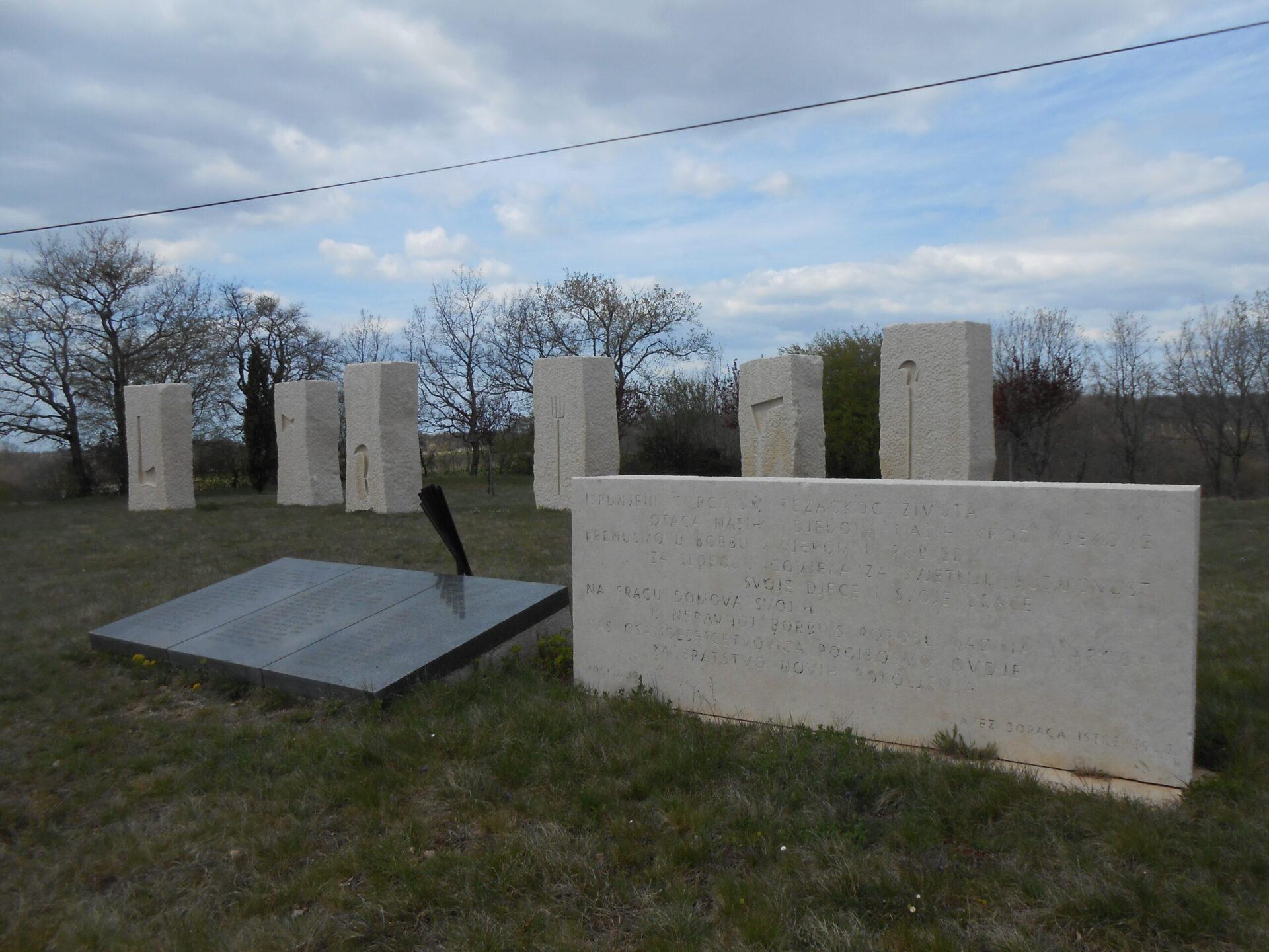 Višnjan - spomenik
